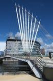 Os meios constroem uma ponte sobre nos cais de Salford BRITÂNICOS Fotografia de Stock Royalty Free