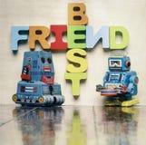 Os melhores amigos exprimem com letras de madeira Fotografia de Stock Royalty Free