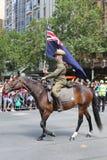 Os membros da tropa do cavalo claro participam na parada 2019 do dia de Austrália em Melbourne foto de stock royalty free