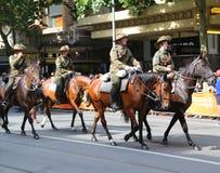 Os membros da tropa do cavalo claro participam na parada 2019 do dia de Austrália em Melbourne fotografia de stock