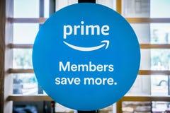 Os membros principais das Amazonas salvar mais sinal fotos de stock royalty free