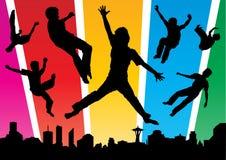 Os meninos que saltam na cidade Funky Fotos de Stock