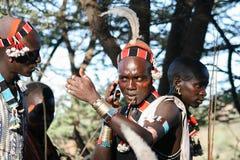 Os meninos vestem a composição para a cerimônia de salto do touro, Etiópia Fotografia de Stock Royalty Free