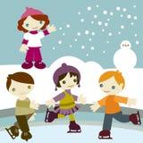 Os miúdos juntam-se à neve fotografia de stock