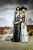 Os modelos levantam na mostra 2016 da pista de decolagem de Claire Pettibone Bridal SS Fotos de Stock Royalty Free