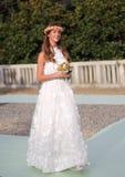 Os modelos no casamento attire durante um desfile de moda em Arenzano imagem de stock