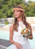 Os modelos no casamento attire durante um desfile de moda em Arenzano foto de stock royalty free