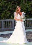 Os modelos no casamento attire durante um desfile de moda em Arenzano fotos de stock royalty free