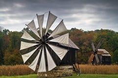 Os moinhos de vento imagens de stock royalty free