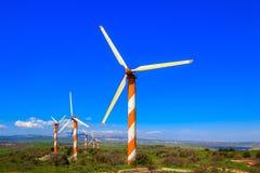 Os moinhos de vento e o Hermon Imagens de Stock Royalty Free