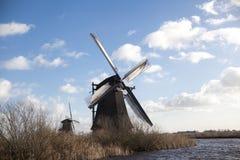 Os moinhos de vento holandeses velhos, Holanda, extensões rurais Moinhos de vento, o símbolo da Holanda Foto de Stock Royalty Free