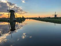 Os moinhos de vento de Kinderdijk Imagens de Stock Royalty Free