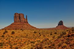 Os montículos dos mitenes, formações de rocha, no vale do monumento, o Arizona Imagem de Stock Royalty Free