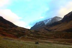 Os montes das montanhas escocesas Fotos de Stock Royalty Free