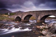 Os montes e o rio de Cullin Imagens de Stock Royalty Free