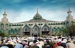 Os muçulmanos pray fotografia de stock royalty free