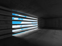 Os muros de cimento esvaziam o interior da sala Arquitetura abstrata com s Imagem de Stock