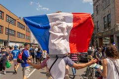 Os nacionais franceses comemoram a vitória da equipe de futebol francesa Fotos de Stock