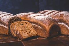 Os nacos do pão de centeio encontram-se próximos um do outro Imagem de Stock
