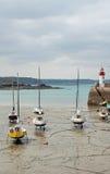 Os navios abrigam o ebb enlameado Foto de Stock Royalty Free