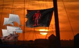 Os navios de pirata misturam no porto com as embarcações mercantes legítimas imagens de stock royalty free