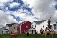 Os novos domicilios terminaram Fotografia de Stock Royalty Free