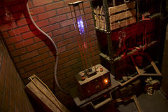 Os objetos assustadores acendem e chiam na casa assombrada Madman& x27; laboratório do segredo de s Foto de Stock Royalty Free