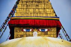 Os olhos ou a sabedoria da Buda eyes no templo de Swayambhunath ou no templo do macaco Foto de Stock Royalty Free