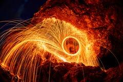 Os olhos são palhas de aço ardentes pintadas na montanha Foto de Stock Royalty Free
