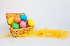 Os ovos da páscoa na caixa Fotos de Stock