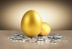 Os ovos dourados Fotos de Stock