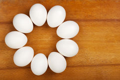 Os ovos são colocados na tabela Imagens de Stock Royalty Free