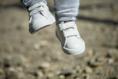 Os pés do ` s do bebê Fotografia de Stock