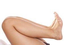 Os pés suportam com os pés descalços Imagens de Stock Royalty Free