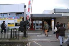 Os PAÍSES BAIXOS - 13 de abril: Estação de Steenwijk em Steenwijk, os Países Baixos o 13 de abril de 2017 Imagens de Stock