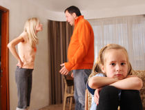 Os pais juram, e as crianças sofrem Foto de Stock Royalty Free