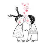 Os pares beijam o amor vermelho da forma do coração que guarda as mãos Imagens de Stock Royalty Free