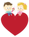 Os pares românticos com sinal isolaram-se Foto de Stock