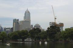 Os parques da cidade estão crescendo Fotografia de Stock