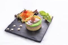 Os peixes de atum com batatas & saladas trituradas fazem dieta a refeição Fotografia de Stock