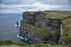 Os penhascos de Moher na Irlanda foto de stock royalty free