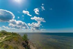 Os penhascos de Paldiski, Estônia O mar Báltico imagens de stock royalty free