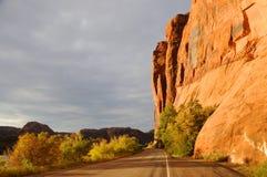 Os penhascos de Wall Street aproximam Moab Imagens de Stock Royalty Free
