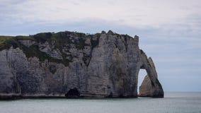 Os penhascos famosos em Etretat em Normandy, France Imagens de Stock