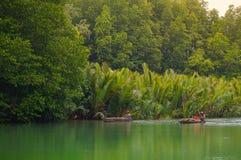 Os pescadores são estilo de vida no rio Fotografia de Stock Royalty Free