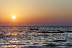 Os pescadores voltam da pesca Fotos de Stock
