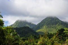 Os picos gêmeos enevoados, Martinica, Lesser Antilles Fotografia de Stock