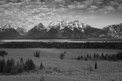 Os picos grandes de Tetons em B + W Fotos de Stock