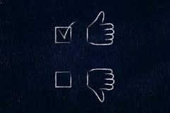 Os polegares acima ou os polegares para baixo, caso positivo tiquetaquearam Fotos de Stock Royalty Free