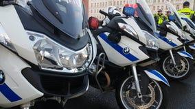 Os polis da estrada do russo comandam a equipe na rua Foto de Stock Royalty Free